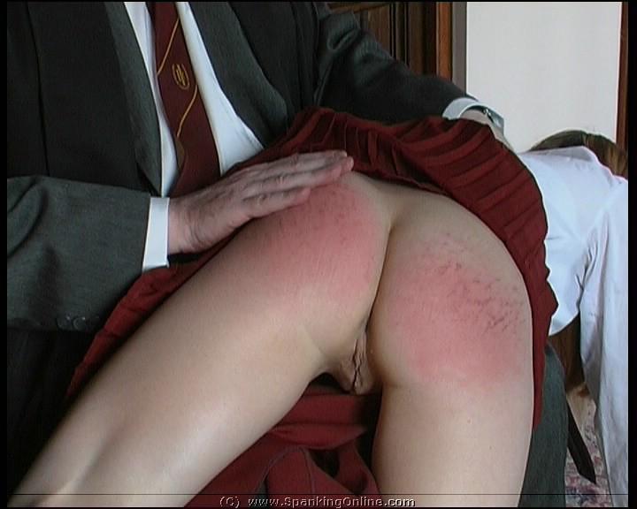 schoolgirls round tits pic